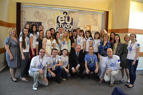 Депутат Європарламенту Павел Залевські зі студентами EU Study Days